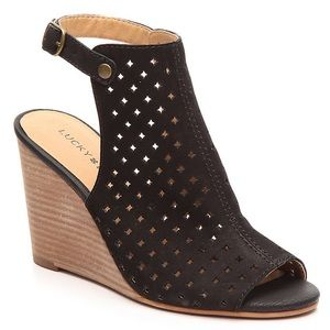 Lucky Brand Regina Wedge Sandal 9 Perforated Strap